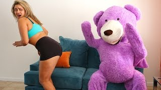 TEDDY BEAR SCARE PRANK ON GIRLFRIEND!!!