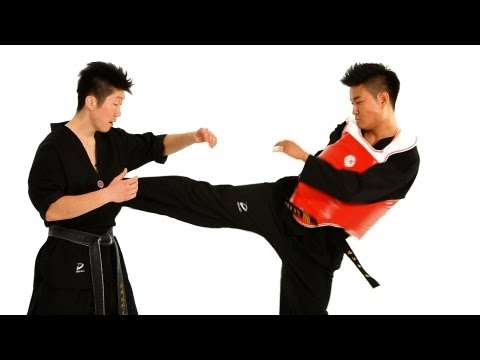 Taekwondo Sparring: Sidestep Technique 1 | Taekwondo Training for Beginners Image 1