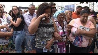 Emoção na despedida dos jovens da FANEOB, em Euclides da Cunha.