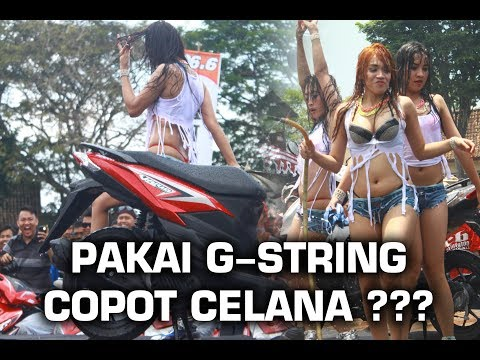 G-STRING CAR WASH SEXY, SEXY DANCER - KLATEN VARIO CLUB thumbnail