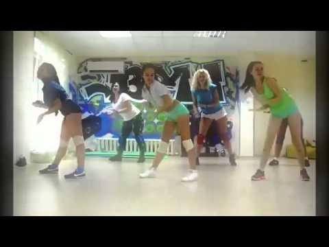 Sexy Booty Dance-02