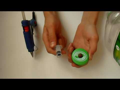 Как из бутылки сделать умывальник видео