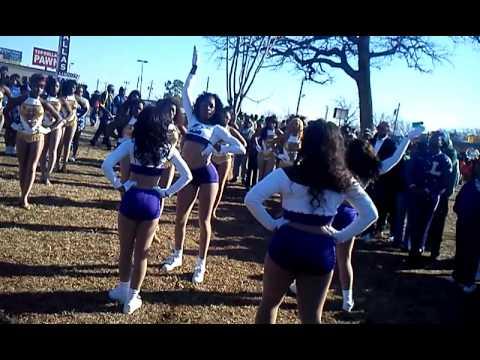 MLK Parade Lincoln Purple Flash Vs Madison