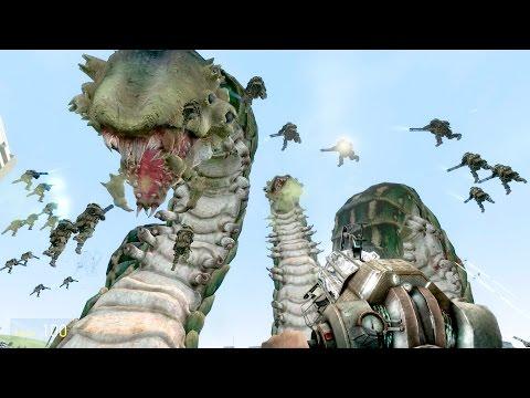 GIANT WORMS!!!  Combine Juggernauts vs Giant Worms & Spider Queen in Garry's Mod