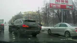 Mean mercedes S500 driver got what he deserved