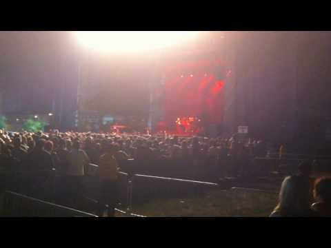 Faith No More at WBurg Waterfront - Neil Hamburger chants Smashmouth (7/5/2010)