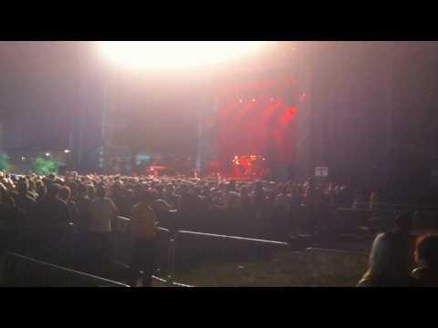 Faith No More at WBurg Waterfront - Neil Hamburger chants Smashmouth (7/5/2010)