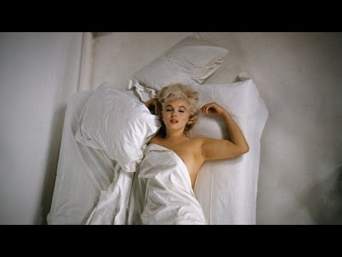 Marilyn et N°5 - Inside CHANEL