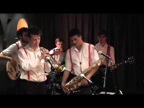 Povo (London Red Live)