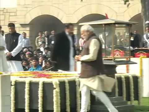 India pays homage to Mahatma Gandhi on his 67th death anniversary
