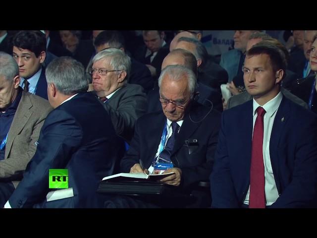 Владимир Путин принимает участие в сессии Международного дискуссионного клуба Валдай