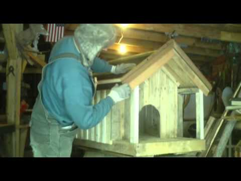 0 homemade dog house made from pallets
