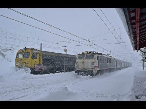 SUSCRIBETE AQUI: http://goo.gl/BbSt9q Bueno,pues aquí os dejo el video completo de Busdongo y Golpejar de la Tercia grabado los días 20,21 y 22 de enero del 2015.A sido el año que mas nieve...