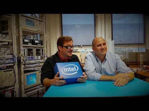Unboxing the Intel 17-qubit superconducting chip with Leo DiCarlo (QuTech) and Dave Michalak (Intel)