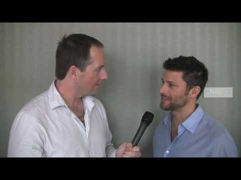 Gregory Mantell Show -- Greg Vaughan from 90210