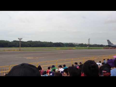 Republic of Singapore Air Force Open House 2016: Break Away Landing And Aerodynamic Braking