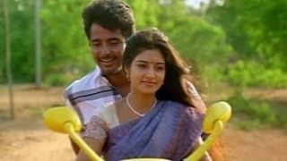 Manam Kothi Paravai - Sivakarthikeyan Lies To Aathmiya - Manam Kothi Paravai