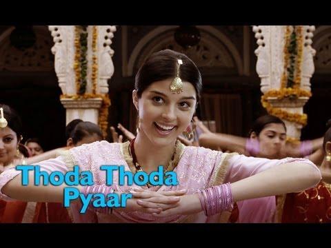 Thoda Thoda Pyar (Video Song)   Love Aaj Kal    Saif Ali Khan   Deepika Padukone