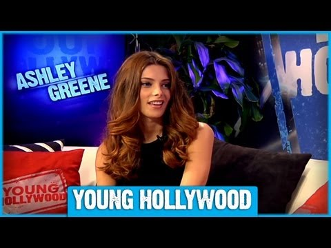 TWILIGHT's Ashley Greene on Fall Fashion Must-Haves!