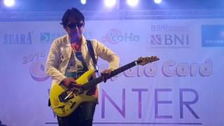 Aksi Apoy Sang Gitaris Wali Band
