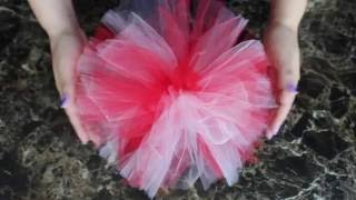 DIY How to Make Tulle PomPoms / HTM Como hacer Pompones o Motas de Tul