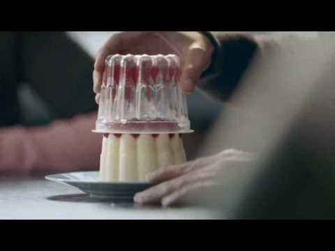 Mona toetje van het jaar commercial(2008)