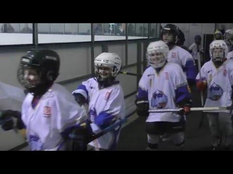 Наймолодші калуські хокеїсти приміряли новеньку форму