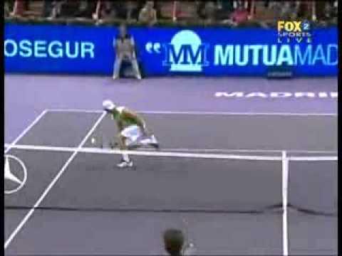 Roger Federer vs Robby Ginepri -- Madrid 2007 Highlights
