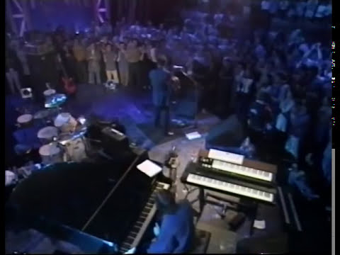 Elvis Costello - Veronica (live unplugged)