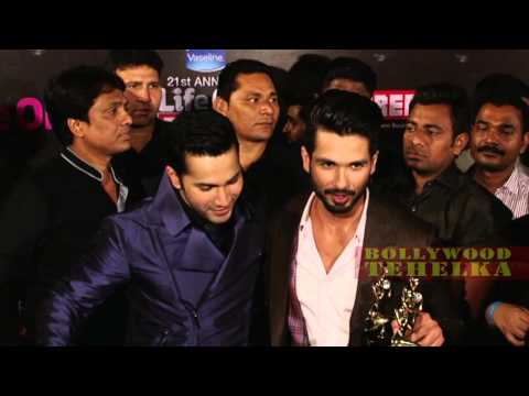 Varun Dhawan & Shahid Kapoor |  BYTE Red Carpet 21st Annual Life Ok Screen Awards 2015 !