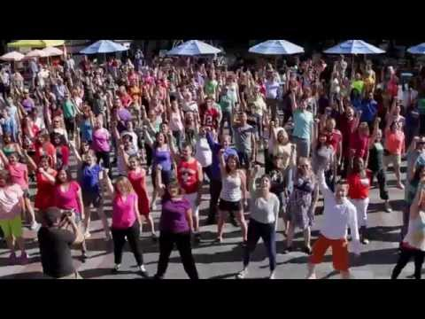 The Last Glee Flash Mob!