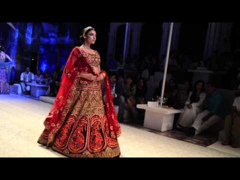 India Bridal Week 2013: JJ Valaya & ShantanuNikhil show.