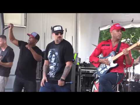Tom Morello speaks at RNC protest rally