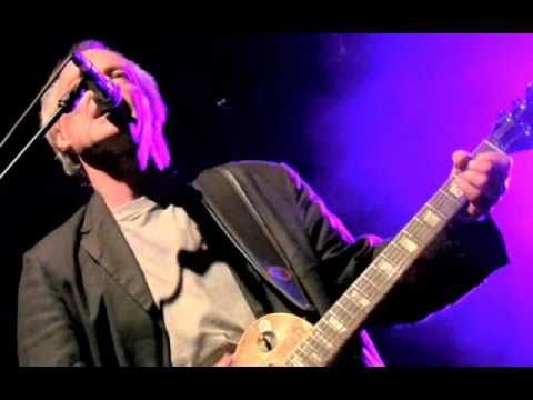 SNOWY WHITE, 'WORLD KEEPS TURNING' SOLO 2010