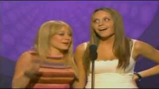 Hilary Duff & Amanda Bynes Introducing t.A.T.u On MTV Movie Awards 2003 - HD