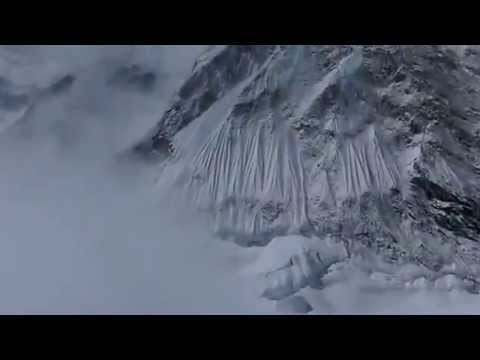 VIDEO Record Breaking Avalanche Kills 12 on Mt  Everest 2014 April 18