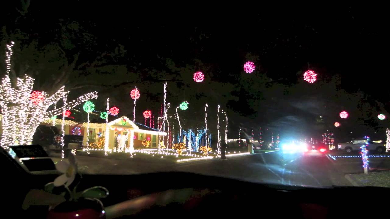 Follow Me Around Vlog: Windcrest Christmas Lights! - YouTube