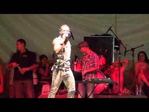 Mc Sheldon Na Festa De 81 Anos De Emancipação Política De Macaparana ( Equipemaluca ) video