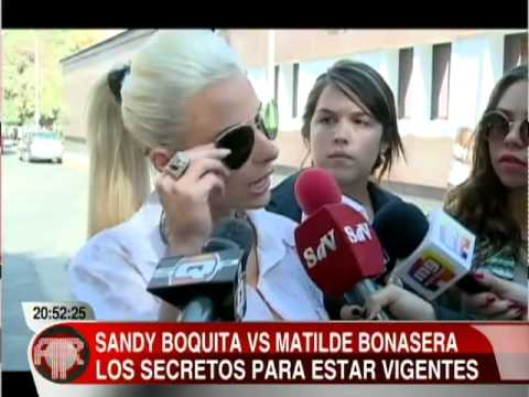 Sandy Boquita - Versus Matilde Bonassera en Alfombra Roja