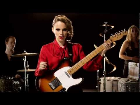 Thumbnail of video Anna Calvi - Suzanne and I