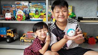 Đồ Chơi Trẻ Em Tin Siêu Còi ❤ Tin Và Anh Hai Chơi Trò Mở Trứng Lấy quà