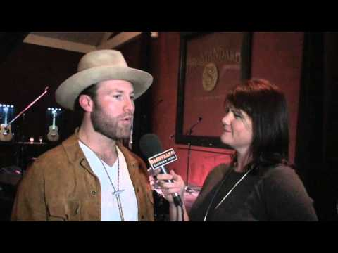 "Drake White's ""Livin' The Dream"" Debuts at Country Radio"