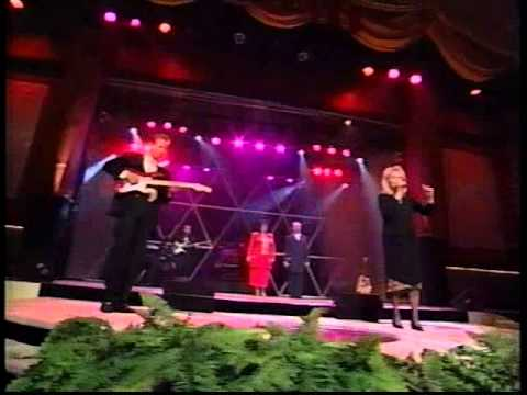 Karen Peck And New River.  Is There A Christian In The House.  2001  Live At The Grand Rsort video