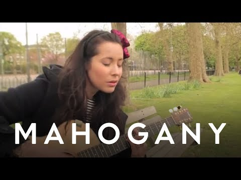 Nerina Pallot - Put Your Hands Up // Mahogany Session