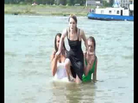 Wetlook: Wetclothinggirls