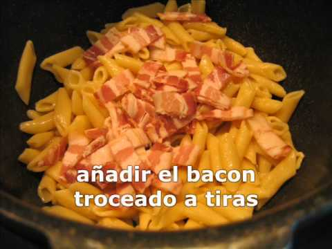 Macarrones con bacon y queso