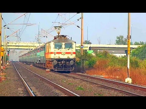 Royapuram Wap-7 Hauling New Delhi - Chennai Central Tamil Nadu Express video