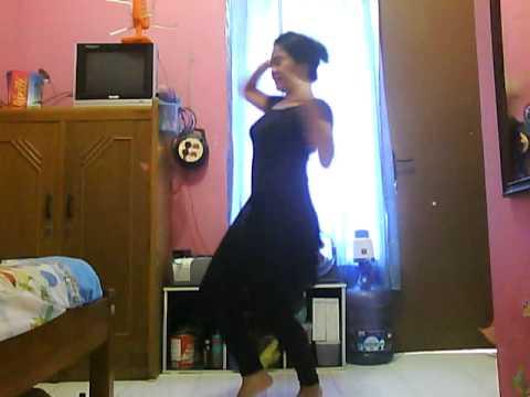 Indonesian Girl Dancing Chikni Chameli
