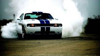 2011 Dodge Challenger SRT8 392 - First Test