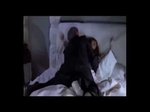 Scary Movie - Escena Del Exorsista En Español video
